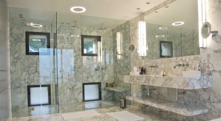 179237-salle-de-bain-regionale-et-traditionnelle-salle-de-bain-et